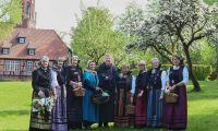 Unterwegs im Harsefelder Klosterpark - Öffentliche Gästeführungen in 2019 - Start am 1. Mai