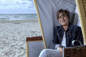 """Sturmflut""  – Mamma Carlotta ermittelt… Lesung mit Gisa Pauly @ Friedrich-Huth-Bücherei"